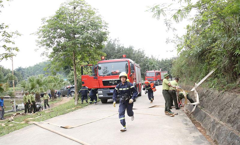 Diễn tập chữa cháy và cứu nạn tại Khu di tích lịch sử Đền Hùng