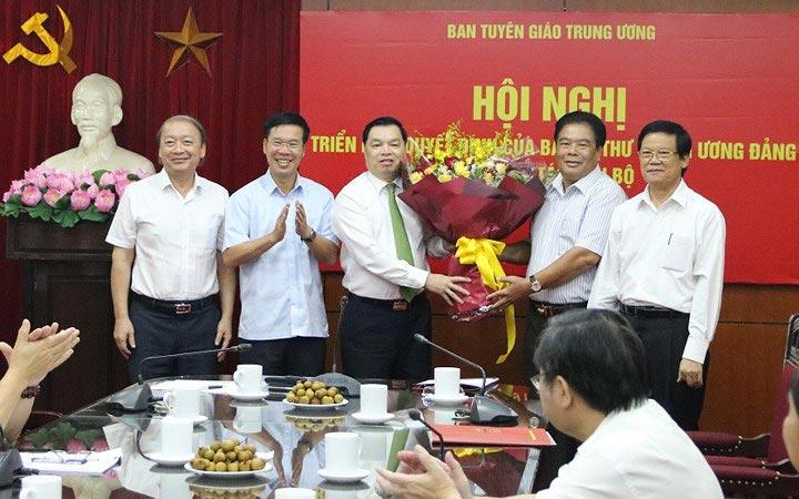 Phó trưởng ban Tuyên giáo T.Ư - Ông Lê Mạnh Hùng