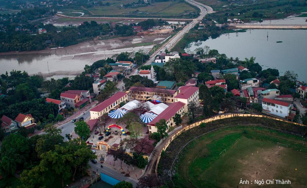 Trường THCS Sa Đéc, thị xã Phú Thọ