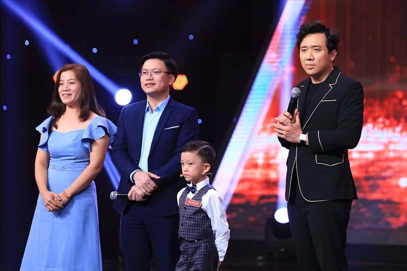 Thần đồng Nguyễn Quang Bình tham gia cuộc thi Siêu trí tuệ Việt Nam