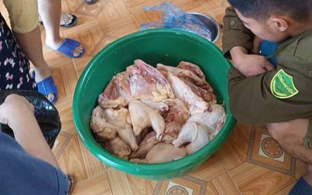 Phụ huynh tố thịt gà ôi thiu đưa vào trường mầm non Hương Xạ, huyện Hạ Hòa, Phú Thọ