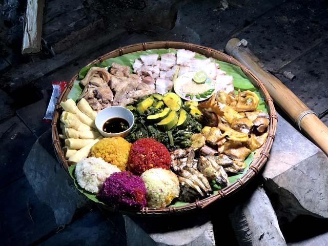 Cỗ lá người Mường - Khám phá nét ẩm thực vùng quê Tân Sơn, Phú Thọ