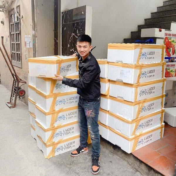 """""""Vua cua King"""" 20 tuổi ở Phú Thọ nổi tiếng với chuỗi hải sản nhập khẩu"""