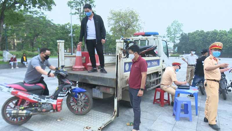 Tăng cường công tác bảo đảm TTATGT ở thị xã Phú Thọ