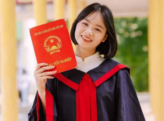 Nữ sinh Trần Thu Nhật