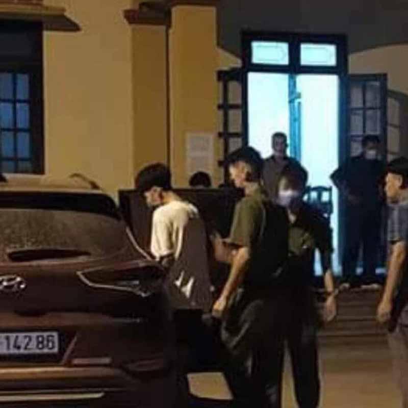 Mâu thuẫn trong lúc đá bóng, nam sinh lớp 12 ở thị xã Phú Thọ bị bạn đâm chết